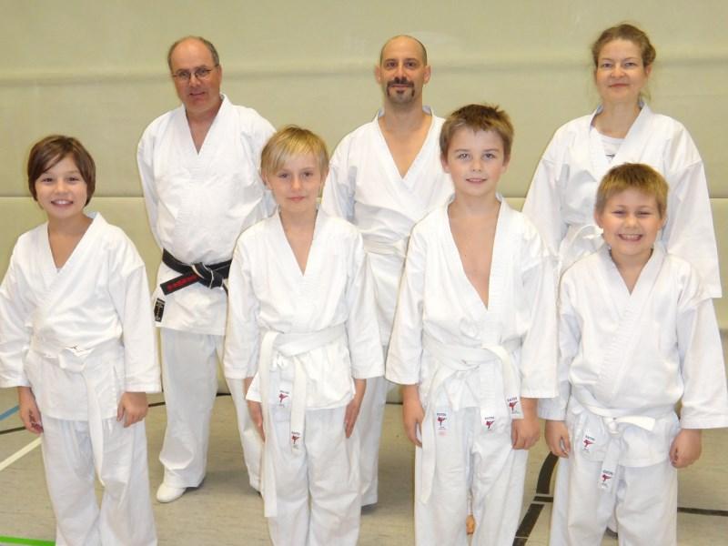 die grundtechniken des karate vom weissgurt bis zum 1 dan